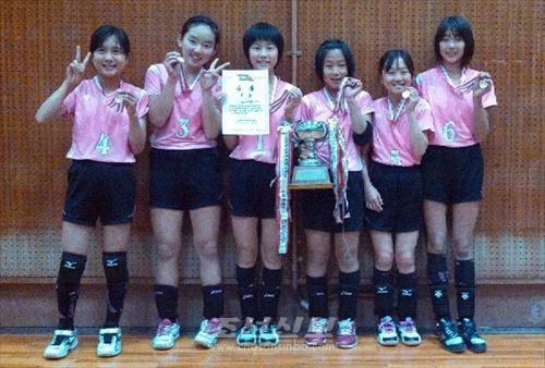 우승한 이꾸노초급 6학년생팀