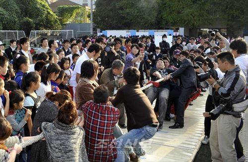 체육마당에서는 폭넓은 동포들이 즐길수 있는 다양한 경기를 준비하고있다.