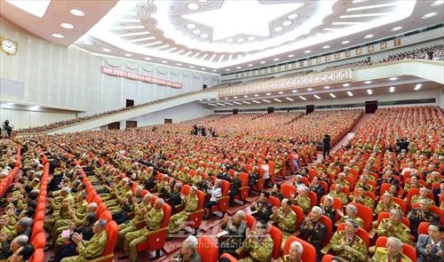 김정은원수님 참석밑에 제4차 전국로병대회가 25일 평양에서 진행되였다.(조선중앙통신)