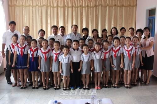 총련교육일군대표단이 조국을 방문하여 여러곳을 찾았다.(사진제공 총련교육일군대표단)