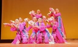 군무 《꽃바라춤》(문예동)