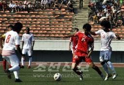 아랍추장국과의 경기에서 출전한 재일조선동포 안병준선수