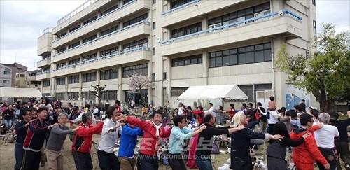 《태양절경축 히가시나리지역 꽃놀이 및 분회대항배구모임》은 대성황을 이루었다.