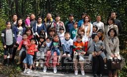 새 세대 가정의 친목회인 《도토리회》(4월 10일)