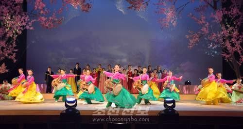 동포들의 사랑을 받은 작품 《모란봉》
