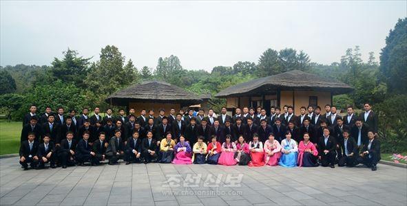 일본각지 조청전임일군들 80명으로 구성된 재일본조선청년동맹대표단