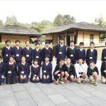 만경대혁명사적지를 찾은 재일조선학생소년롱구방문단
