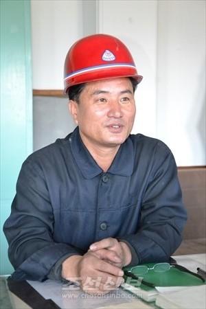 평양화력발전련합기업소 문학철기사장