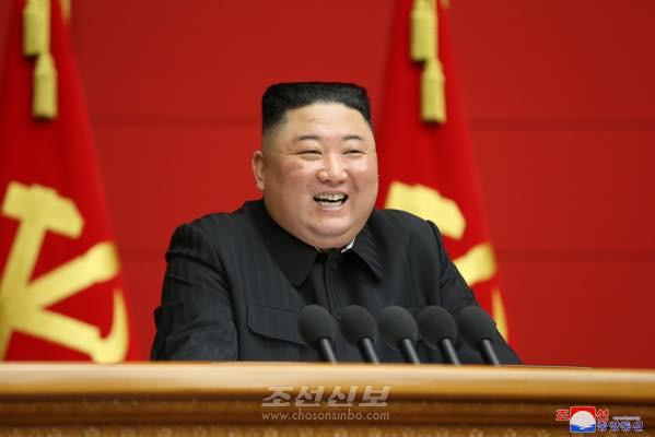 제1차 시, 군당책임비서강습회 4일회의로 페강/김정은원수님께서 페강사를 하시였다