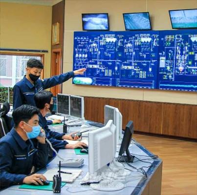 〈조선경제 부흥을 위한 혁신 4〉세계에 유일무이한 자력자강의 발전방식